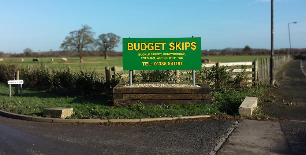 budget skips sign